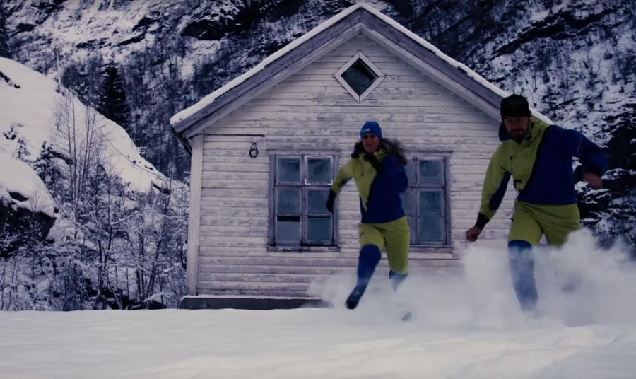 8ae1b317d46a A srácok a 3DOG Szeretjük a téli kempinget annyira, hogy egy csoportot  egészen az 25 pótkocsiig és tetőtéri sátoros táborozókig télen kempingre,  ...