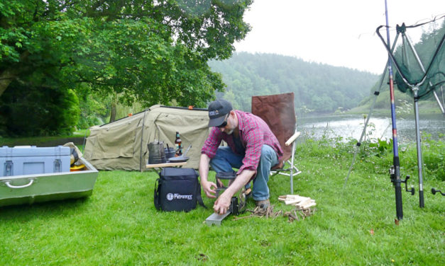 Down by the River - Koken met een Petromax Rocket Stove