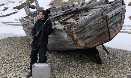 Svalbard - Jääkarhujen maa - Aluboxin kanssa