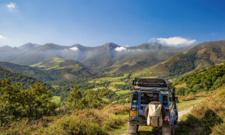Paula Beamount Photographer eta bere Land Rover Adventures