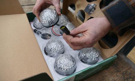 LED-valojen päivitys Land Rover Defenderille Bearmachilta